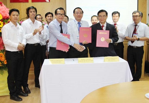 MOU Signing Ceremony between HOTEC with Ly Thuong Kiet Toyota and Phu My Hung Toyota