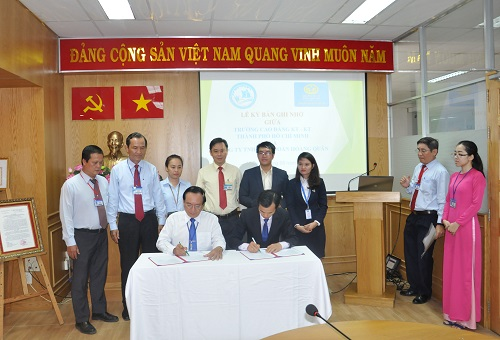 MOU signing ceremony between HOTEC and Hoang Quan Group
